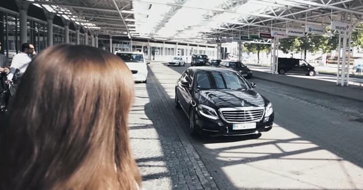 Mercedes S Klasse mit Little Caprice